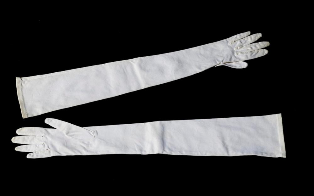 Pair of beige elastic satin gloves