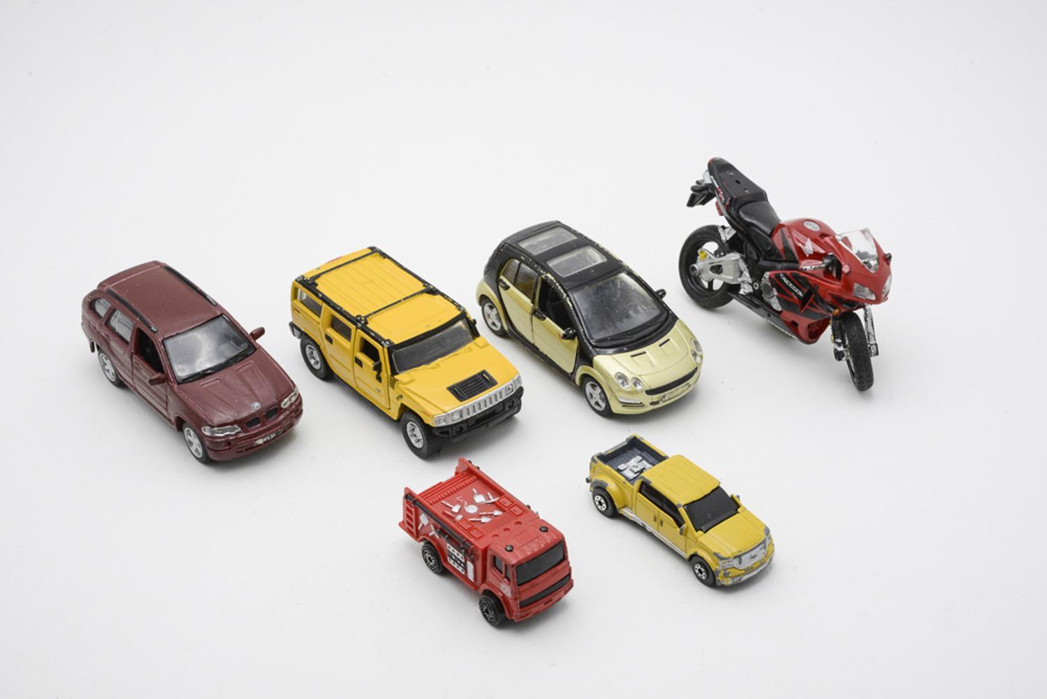 MAISTO, lot of 6 vehicles