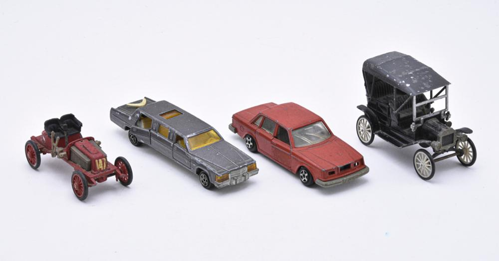 Lot of 4 cars, produced in France