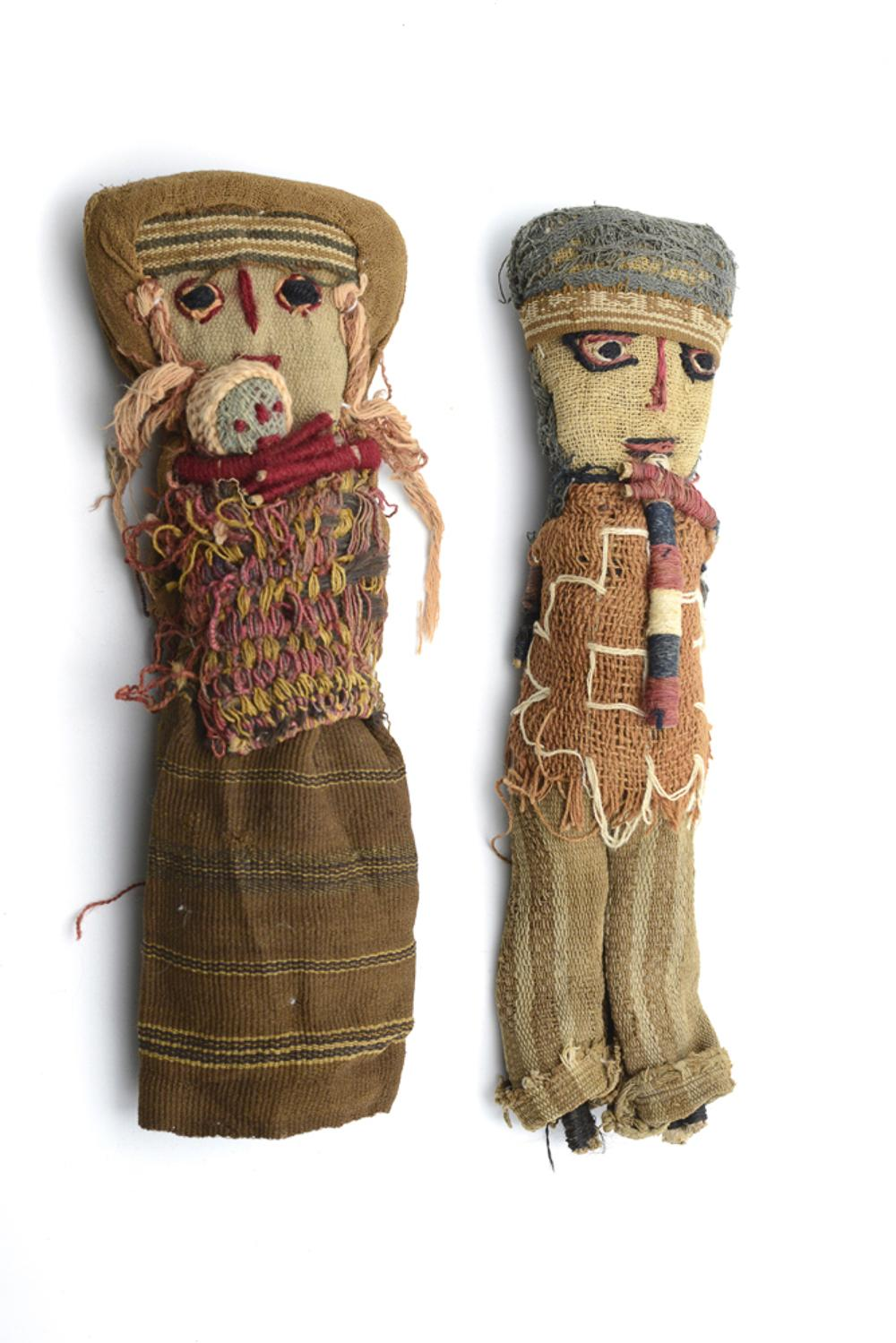 Lot of two dolls (2)