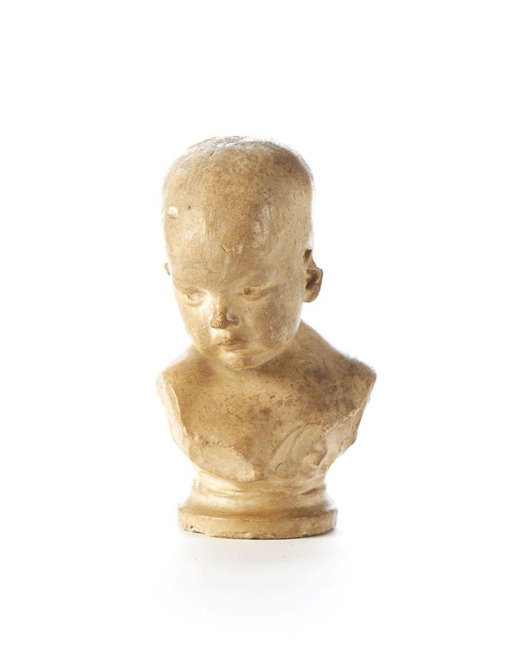 TEIXEIRA LOPES, Busto de bebé, Esc. em barro