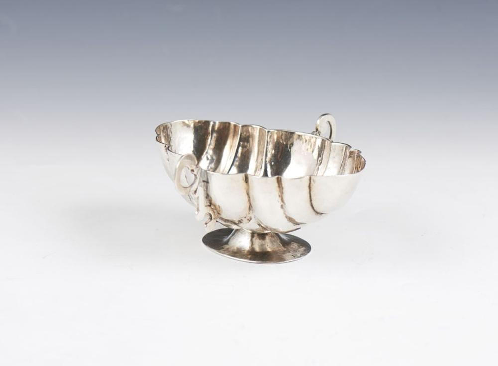 Tambuladeira em prata, séc. XVII/XVIII, P. 116g