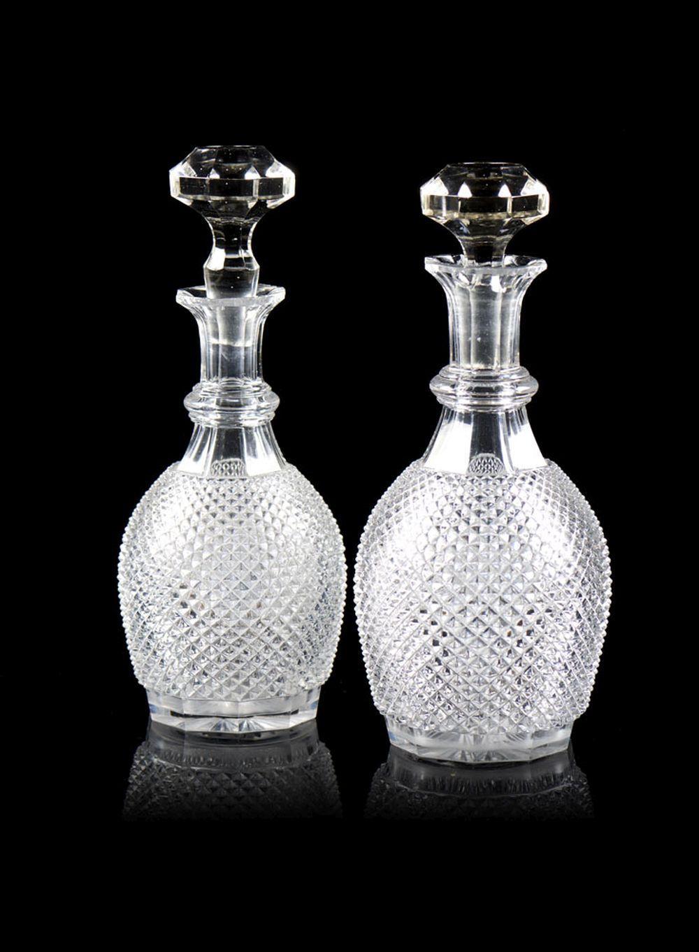Conjunto de duas garrafas em cristal (2)