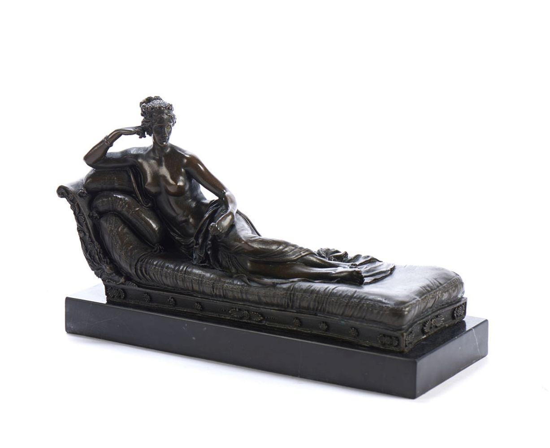 Escultura em bronze, figura feminina