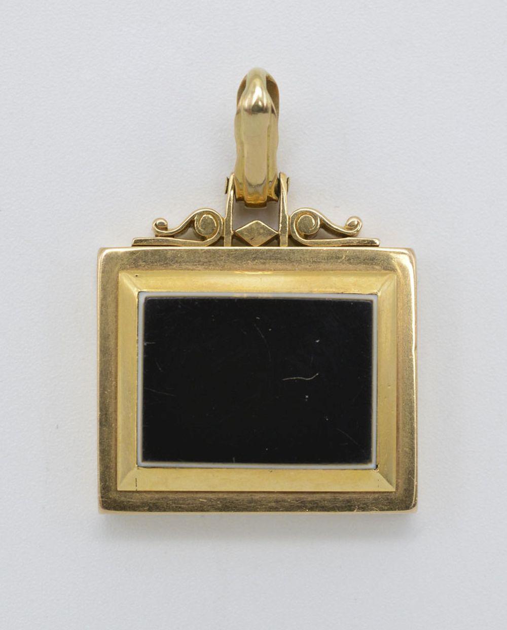 Medalha pendente relicário, ouro, P: 16,6 g.