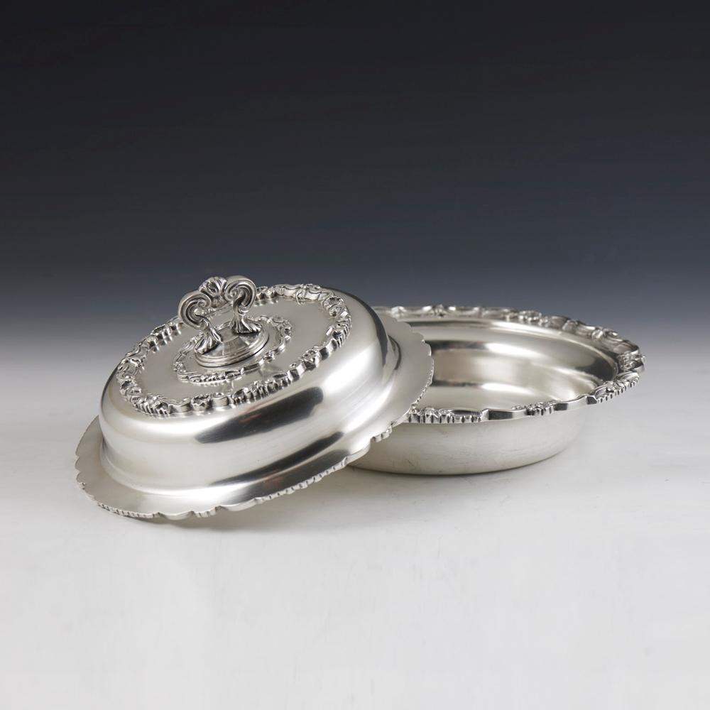 Prato coberto em prata 833%, séc. XX, P. 1690g
