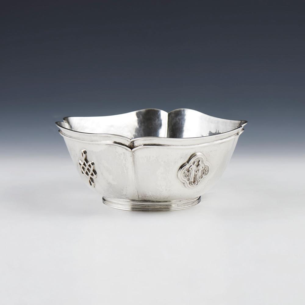Taça em prata de David Ferreira, 833%, P. 674 g.