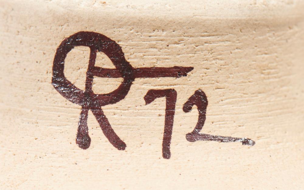 Taça com pé em cerâmica