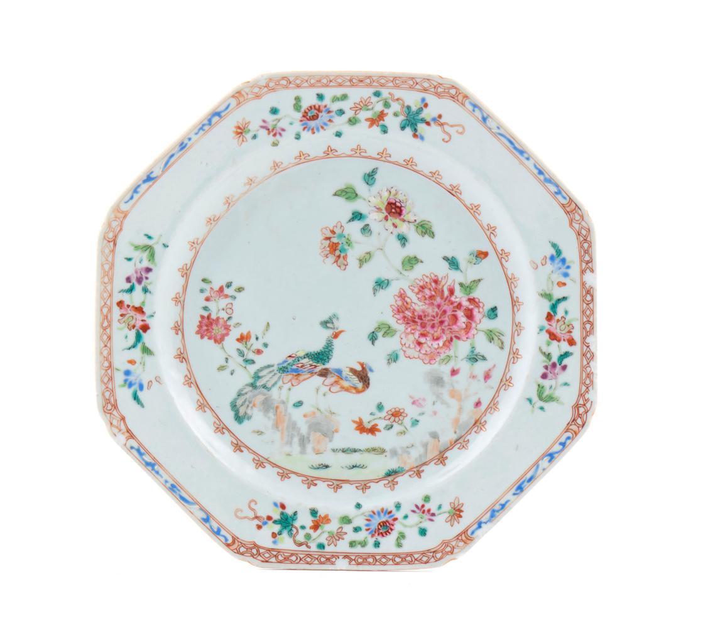 Prato oitavado em porcelana chinesa CI