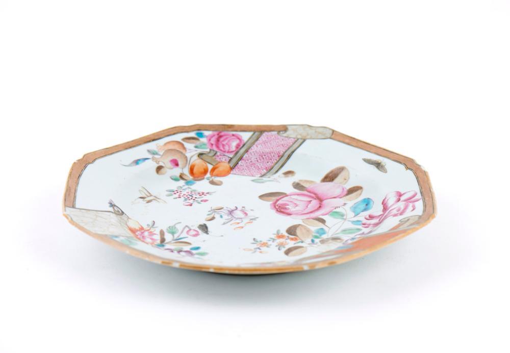 Par de pratos oitavados em porcelana CI (2)