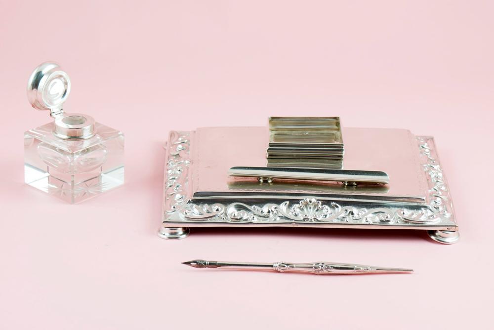Tinteiro e caneta em prata 833% e 835%, séc. XX -2