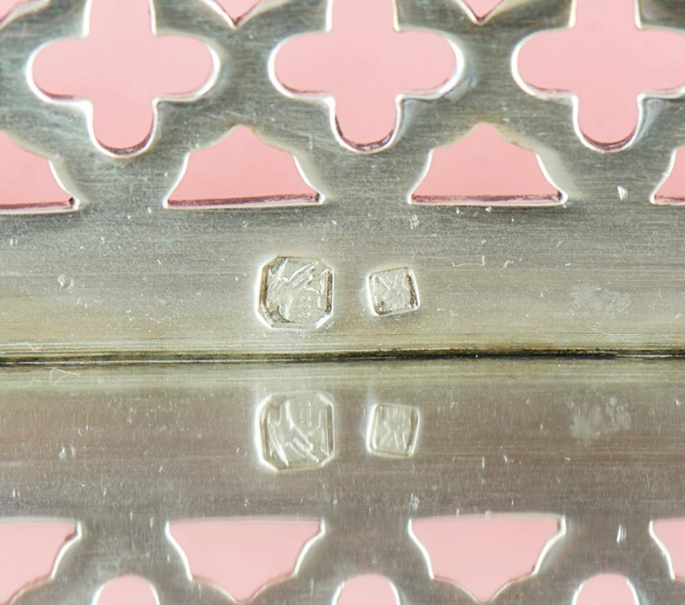 Salva de gradinha em prata 833%, séc. XX, P.820g