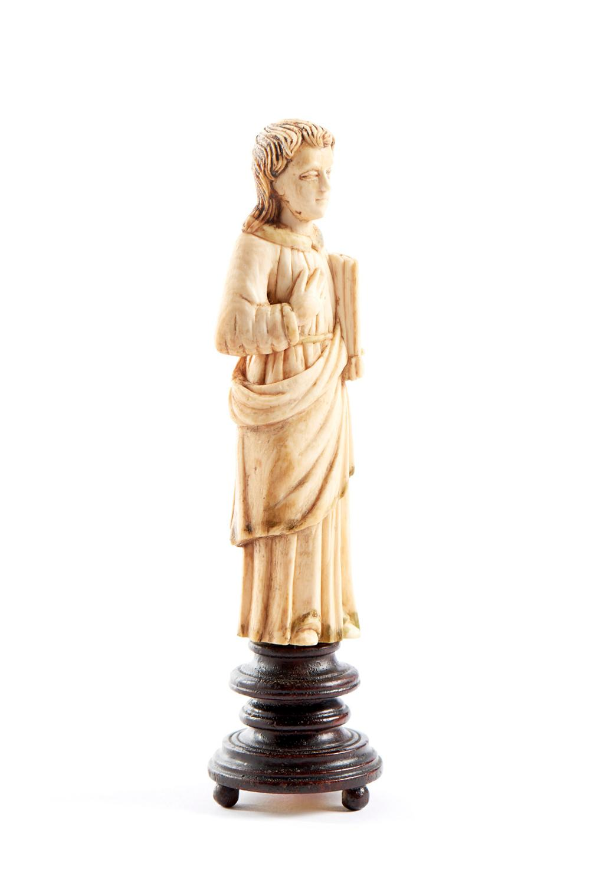 S. João Evangelista, Esc. indo-port., XVII, marfim