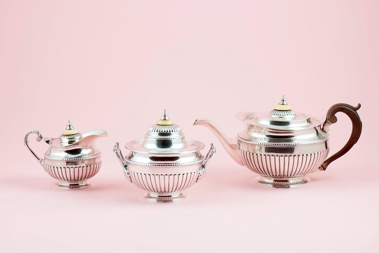 Serviço de chá em prata, séc. XIX, P.2264g. (3)