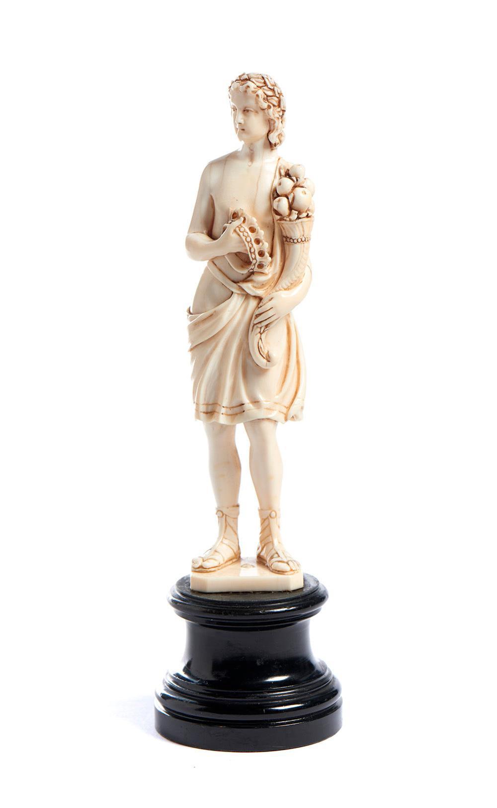 """""""Abundância"""", escultura do séc. XIX, em marfim"""