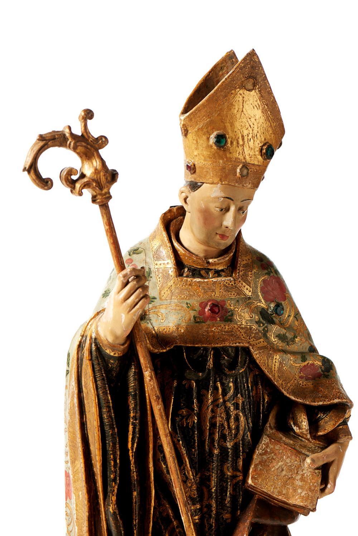 Santo Bispo, escultura do séc. XVIII, em madeira