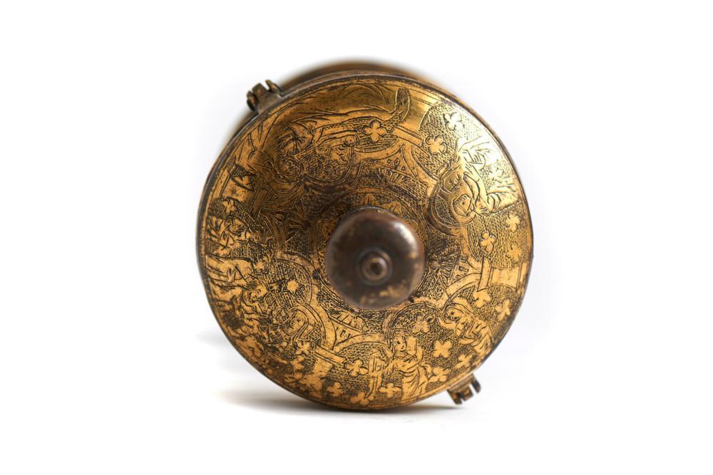 """Raro """"ciborium"""" em cobre dourado, séc.XIV"""
