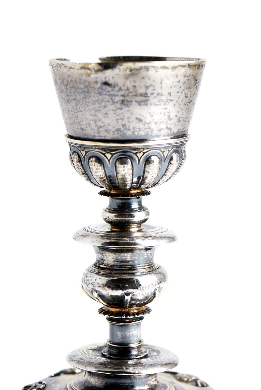 Cálice em prata espanhola, datado de 1554, P.606g