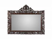 Espelho em madeira entalhada e vazada, 127x156 cm