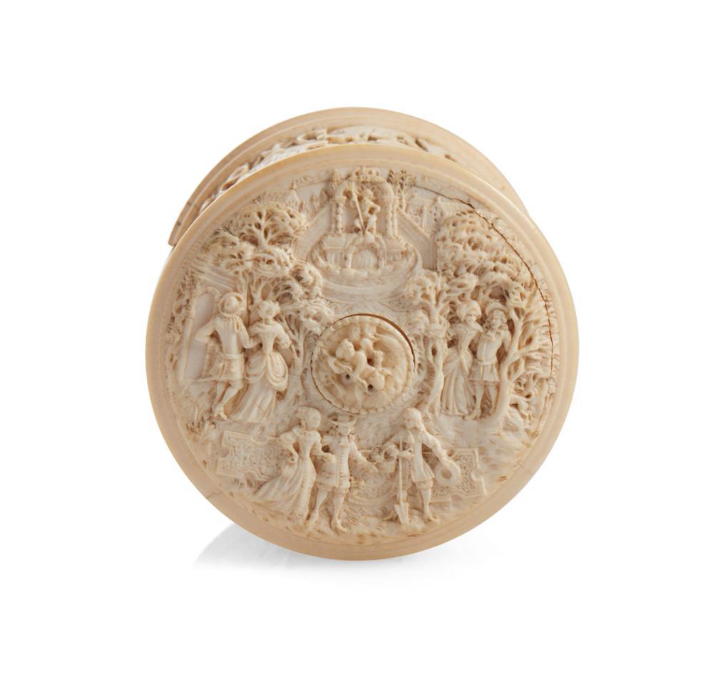 Caixa com tampa, do séc. XIX, em marfim