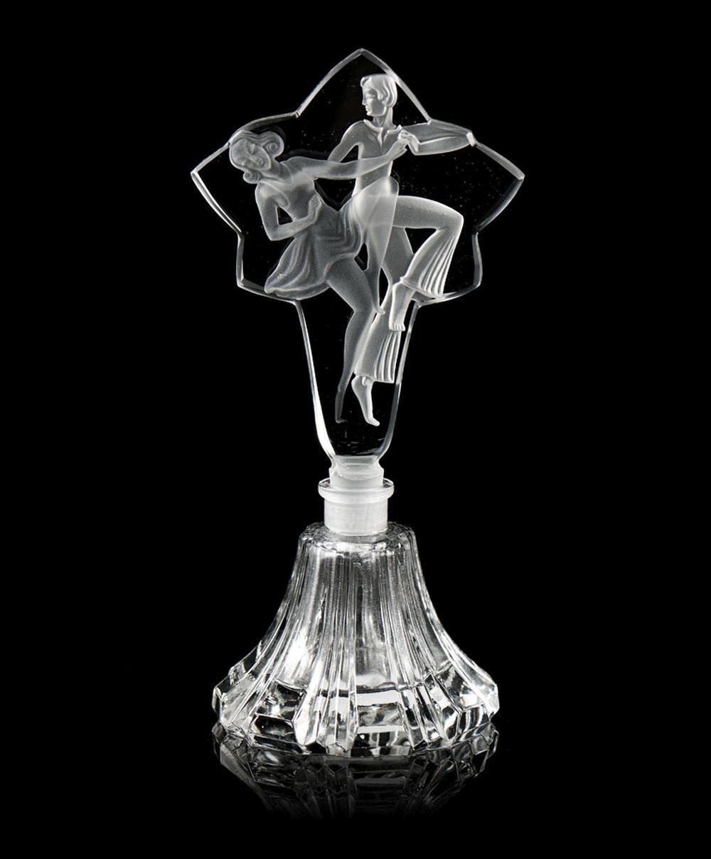 Frasco de perfume com tampa em vidro