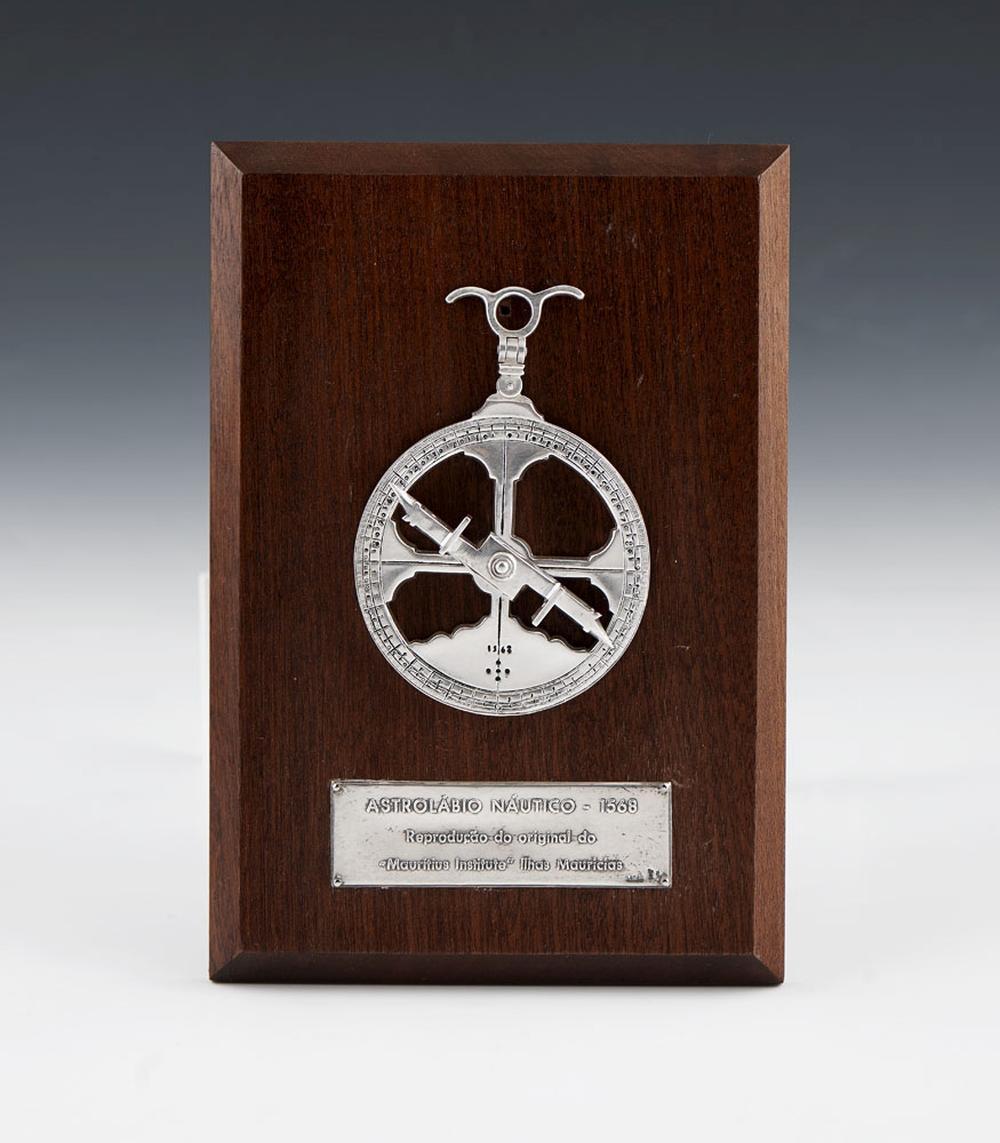 Astrolábio em prata Leitão, 925%, P.182 g