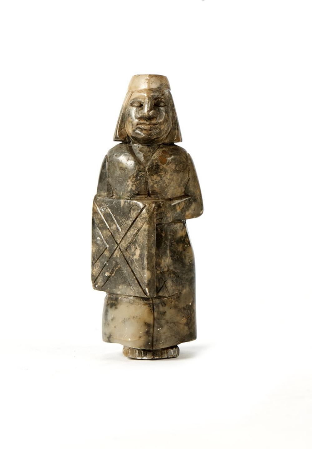 Guerreiro, escultura em pedra dura