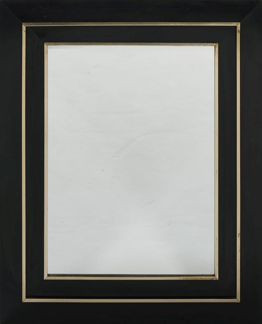 Par de espelhos ebonizados, com metal dourado.