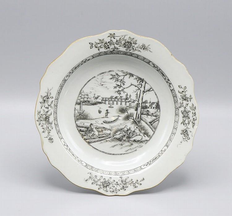 Prato fundo em porcelana chinesa, CI
