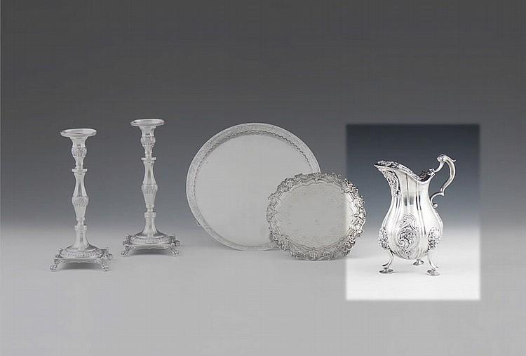 Pequeno jarro em prata, 833%, P. 744 g.