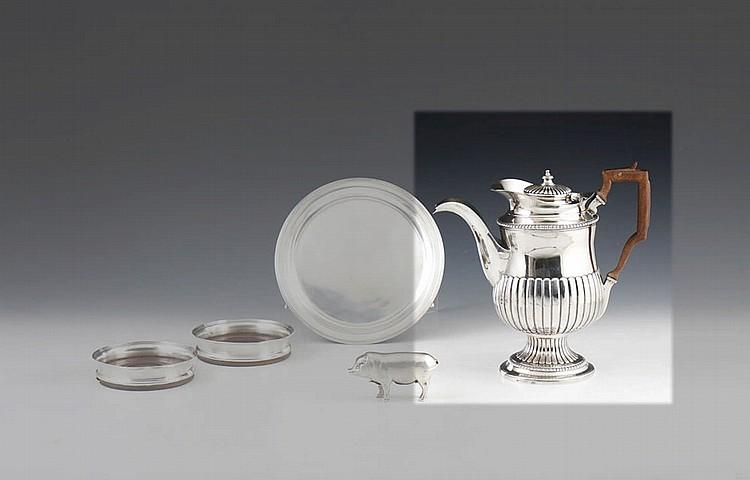 Cafeteira em prata portuguesa, séc. XIX, P. 1110 g