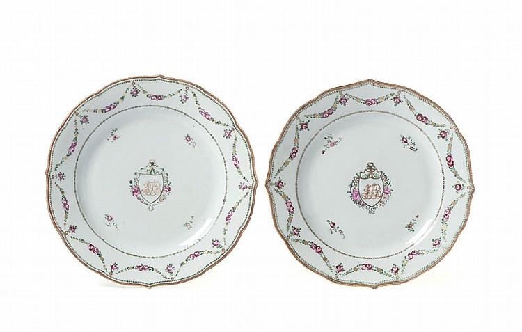 Par de pratos em porcelana chinesa CI