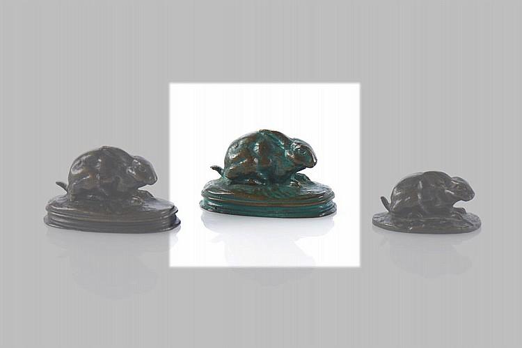 Lebre escultura em bronze