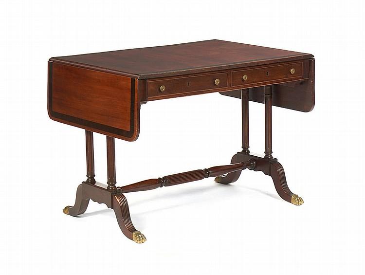 Sofa-table do séc. XIX, em vinhático e pau-santo