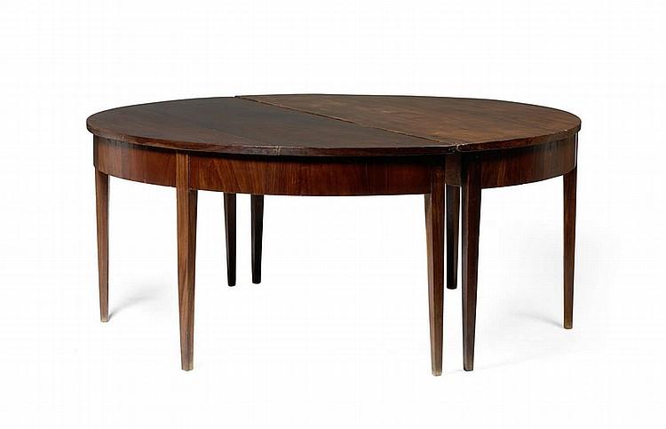 Par de mesas meia-lua em madeira