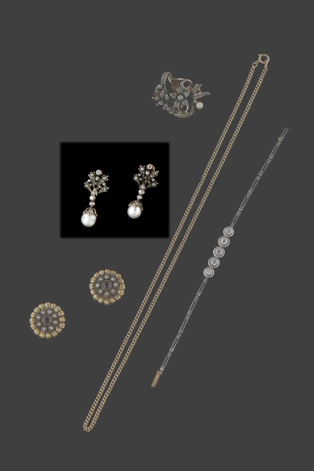 Par de brincos em ouro e prata, P.: 9,8 g
