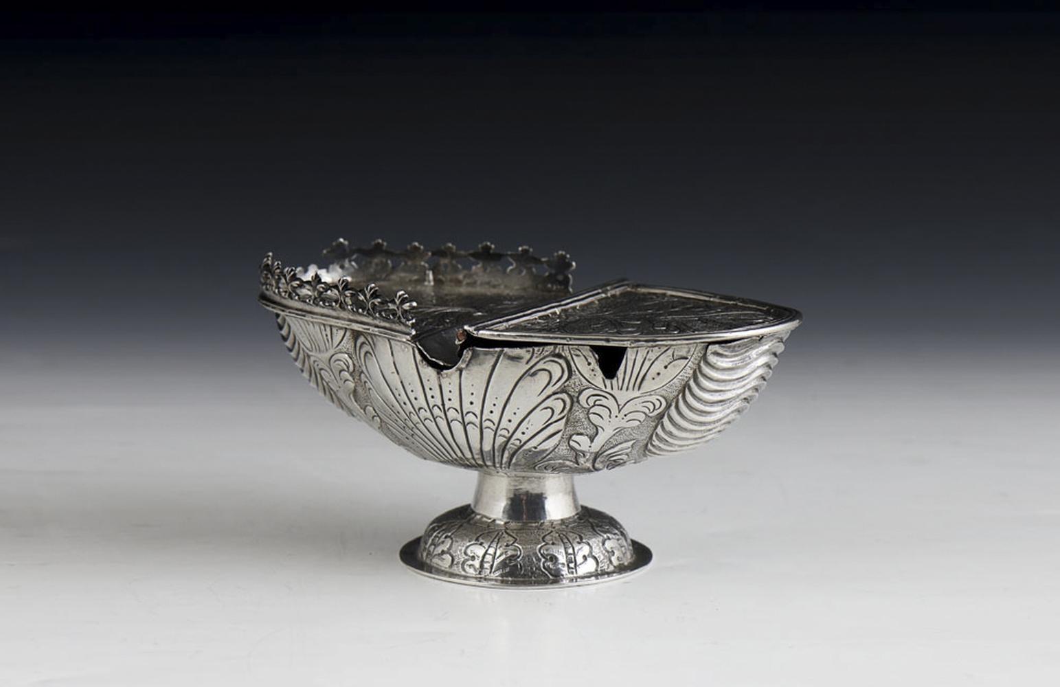 Naveta em prata possivelmente espanhola, P. 346 g.