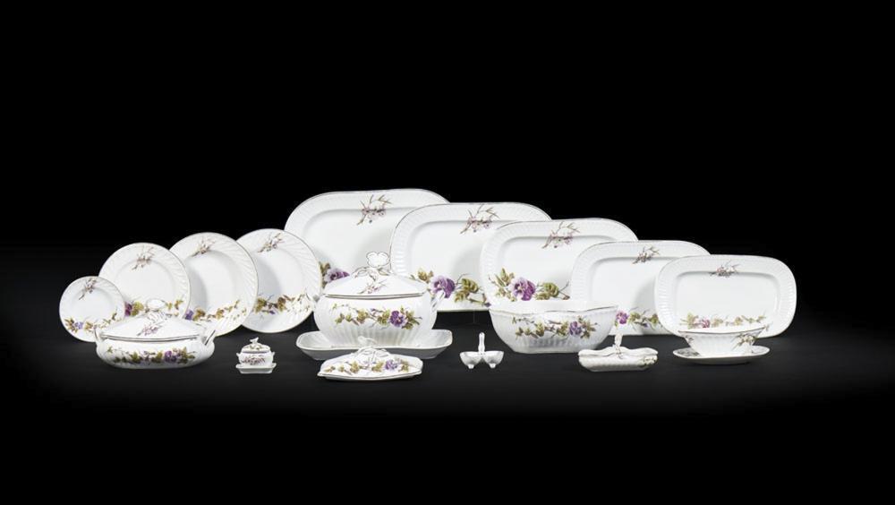 Serviço de jantar em porcelana Vista Alegre (100)