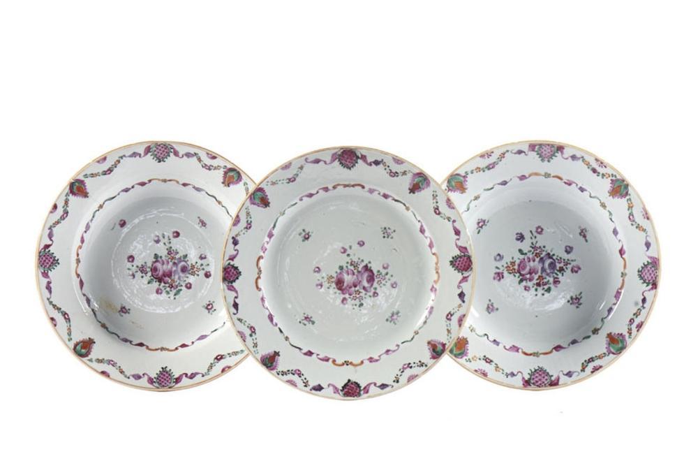 Lote de dois pratos de sopa e prato raso (3)