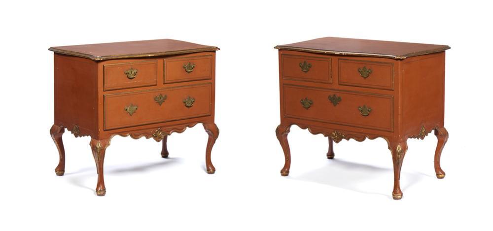 Par de cómodas em madeira pintada (2)