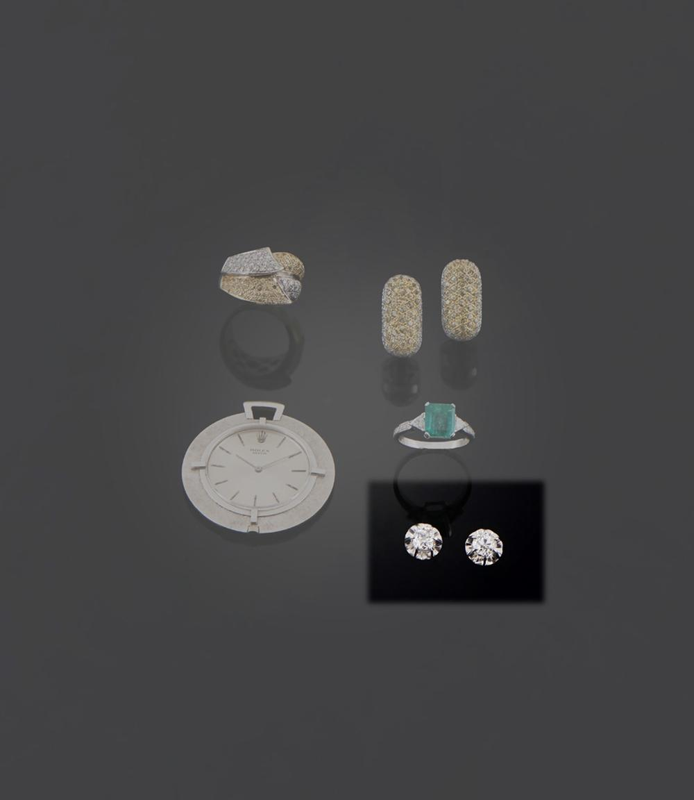 Par de brincos em ouro e 2 diamantes , P.3,7g