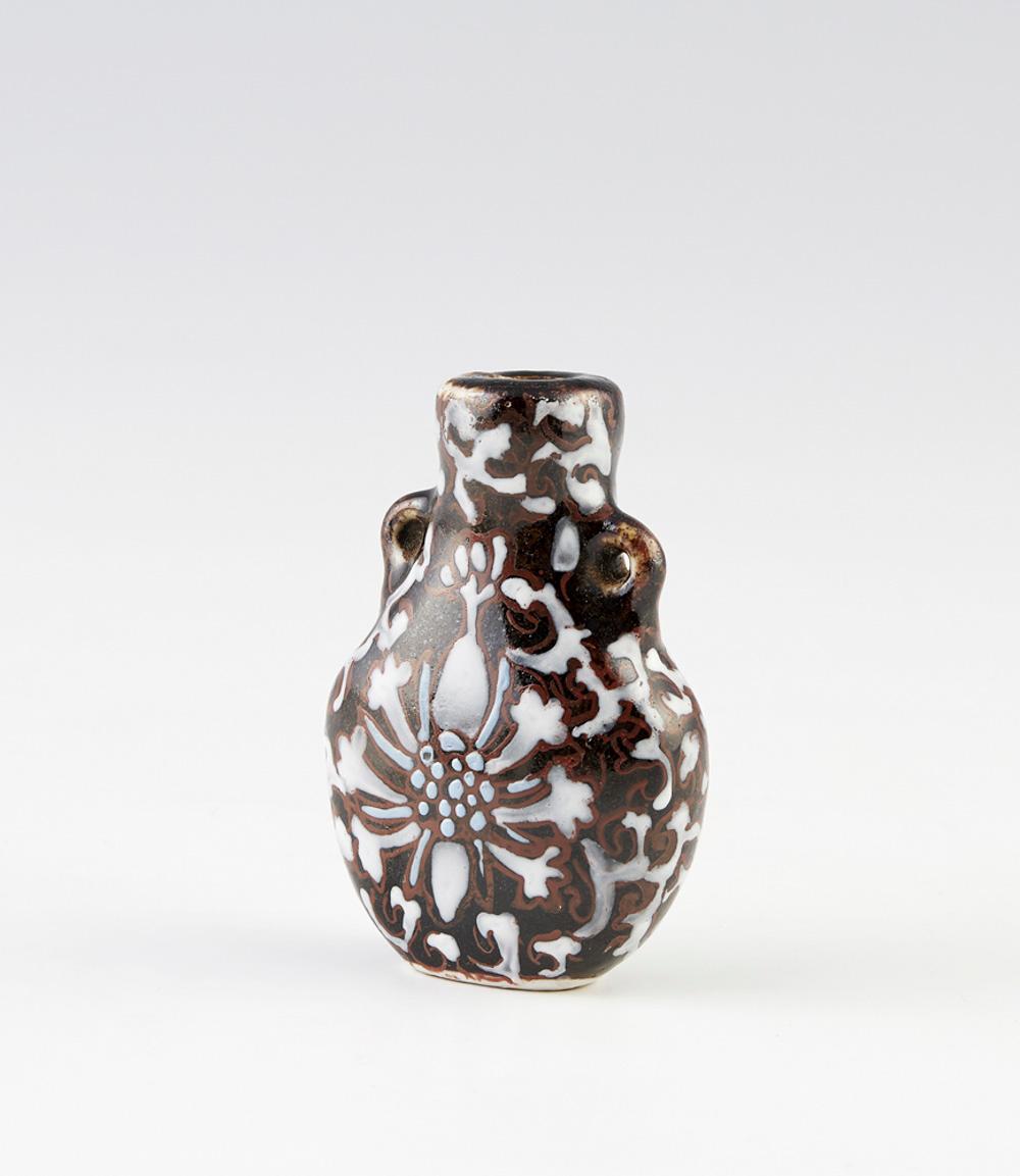 """Snuff-bottle"" em cerâmica"