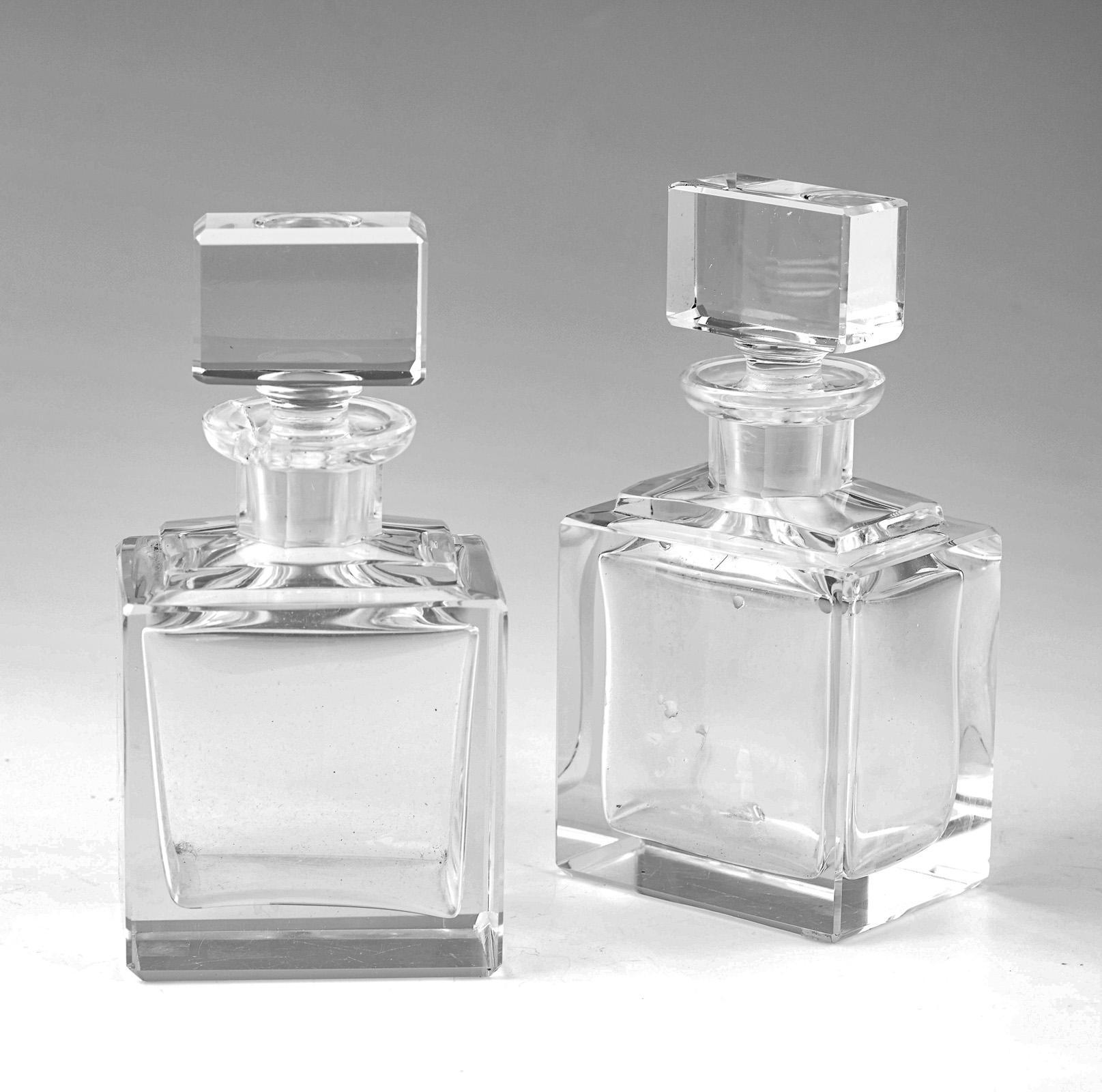 Par de frascos em vidro