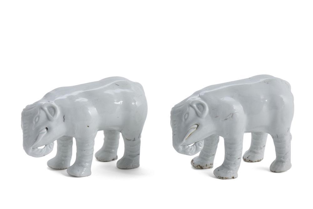 Dois elefantes em porcelana chinesa (2)