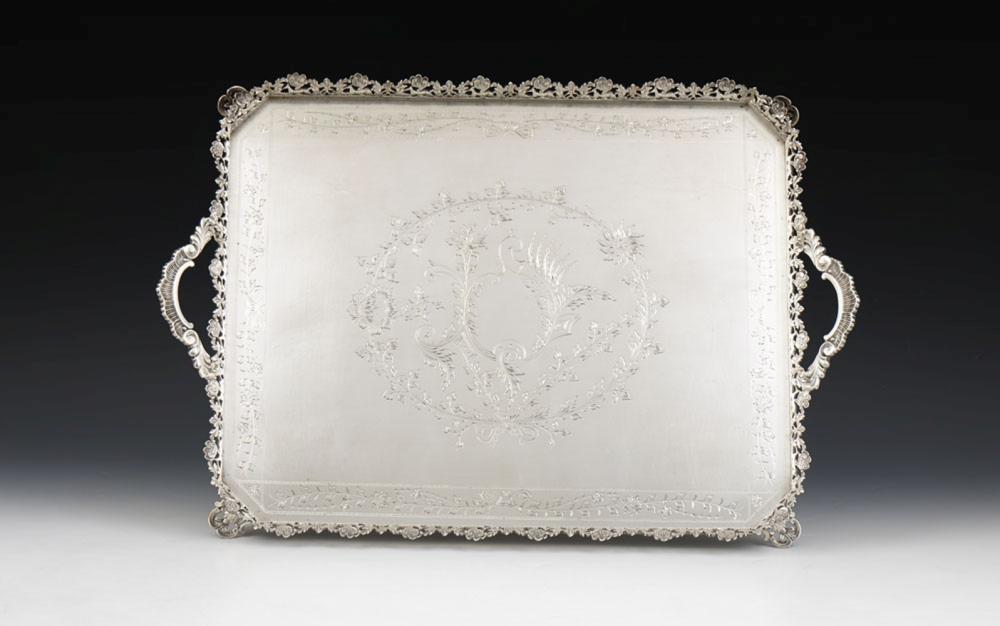Tabuleiro em prata, 833%, P: 2110 g.