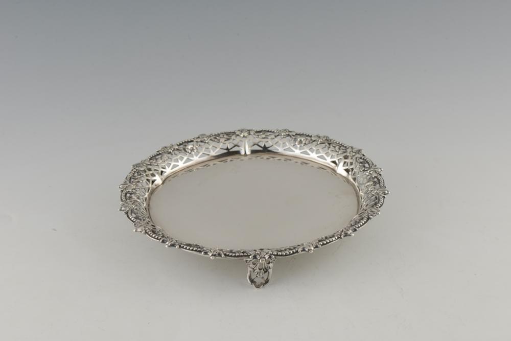 Salva em prata inglesa Jorge III, 925%, P. 380g