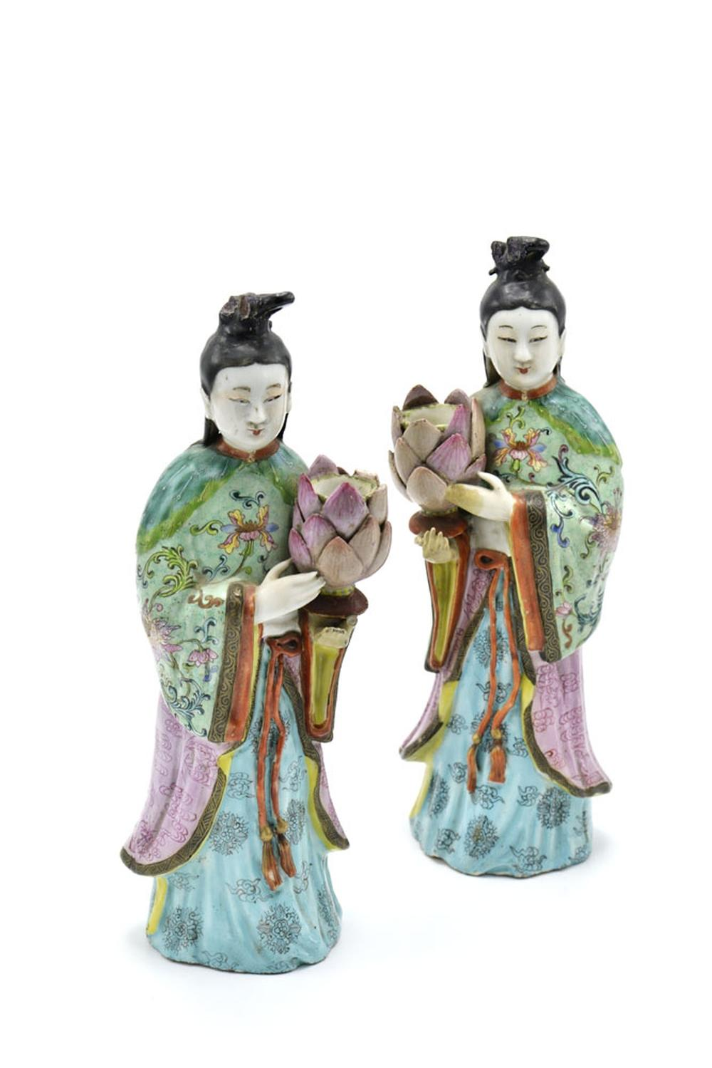 Par de figuras femininas chinesas (2)
