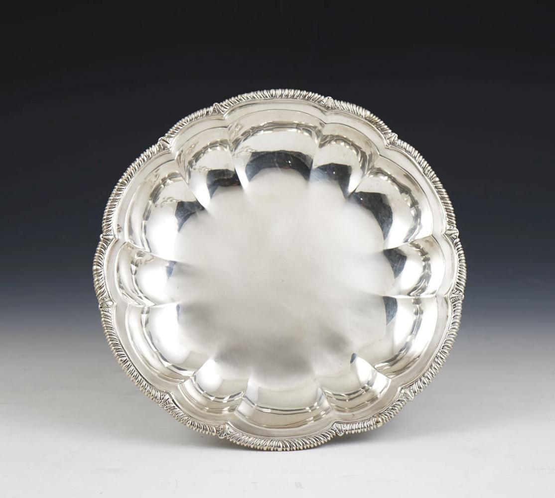 Taça gomada em prata portuguesa, 833%, P.424g