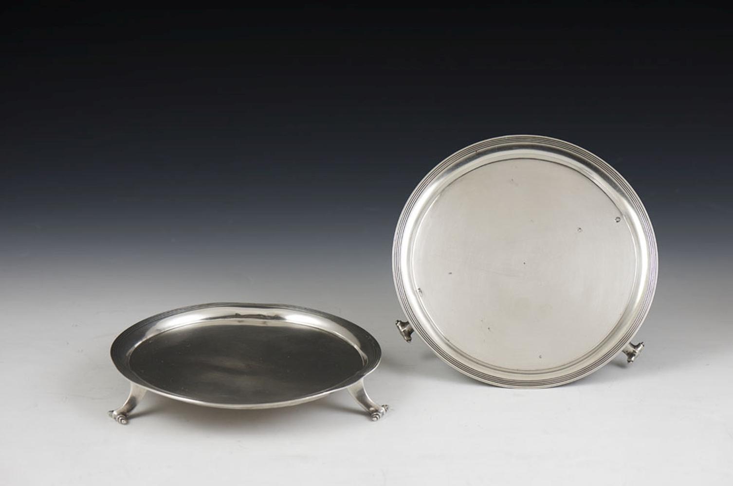 Par de salvas em prata portuguesa, P.: 310 g. (2)