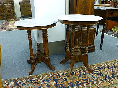A near pair of late 19th/early 20th century turned